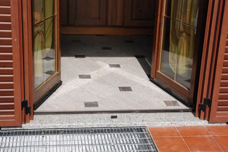 Soglia porta ingresso elegant porta blindata con cilindro - Soglie per finestre moderne ...