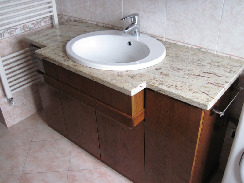 Piani per bagno in granito - Marmi Sigma - Pero - Milano - Lombardia